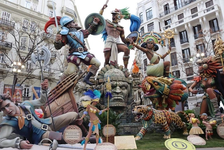 Preparation for Las Fallas, festival that attracts many travel to Valencia