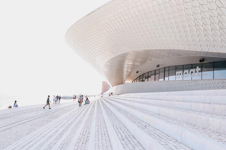 Museu MAAT oferece um acervo que contrasta entre o antigo e moderno para quem quer fazer algo além do tradicional em Lisboa