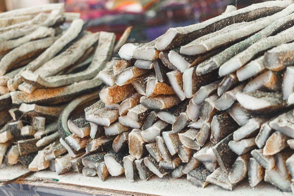 Pele de Búfalo no mercado local em Laos