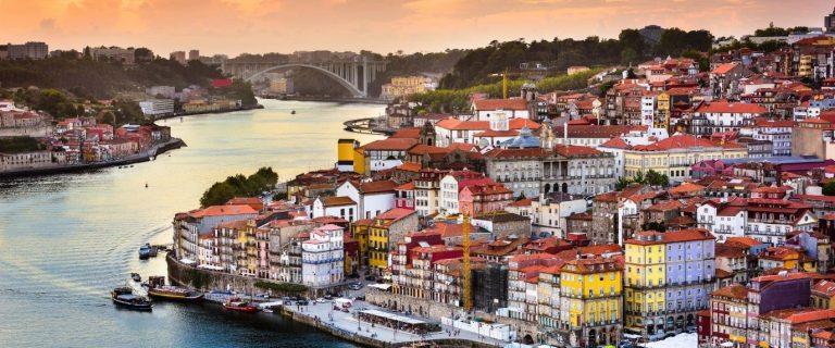 Cartão Postal do Guia de Viagem para Porto - Douro e a Ribeira