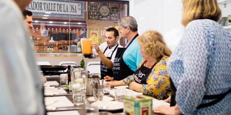 Aula de Culinária Espanhola com Jantar