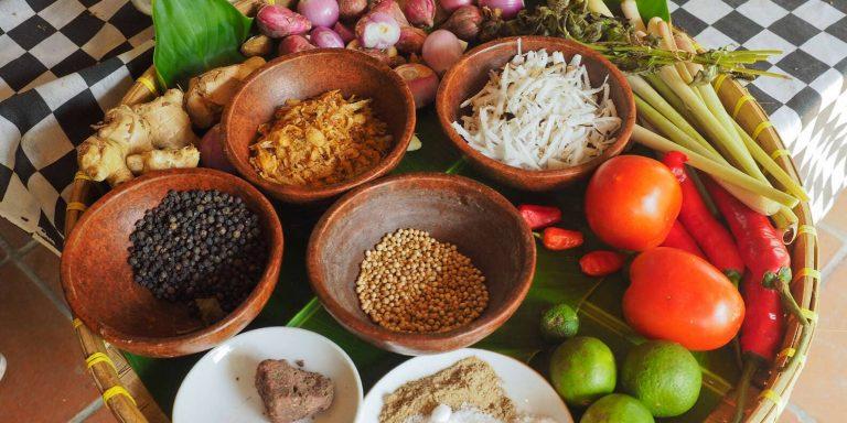 Aula de Culinária Balinesa em uma Fazenda Orgânica