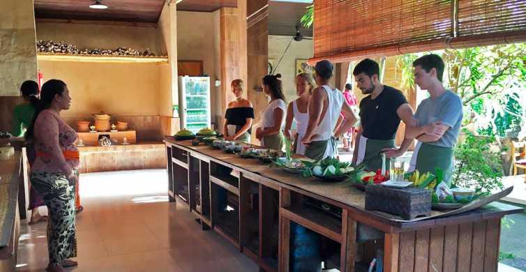 De Ubud – Aula de Culinária Autêntica em uma Vila Local