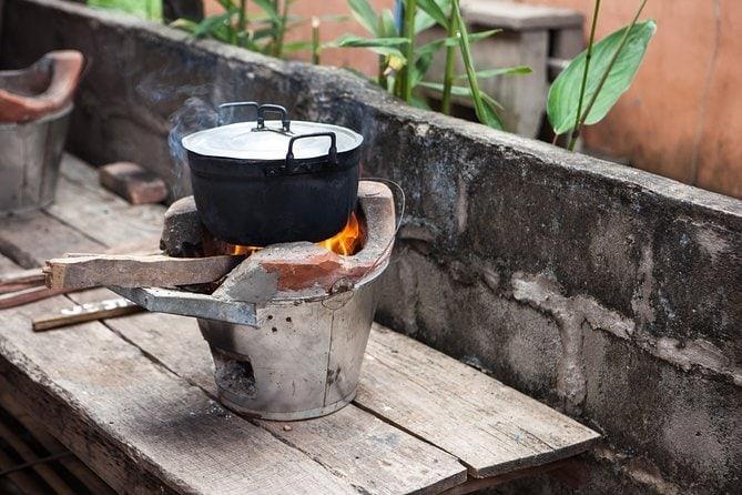 Tour em Mercado Tradicional e Aula Privada de Culinária Laosiana