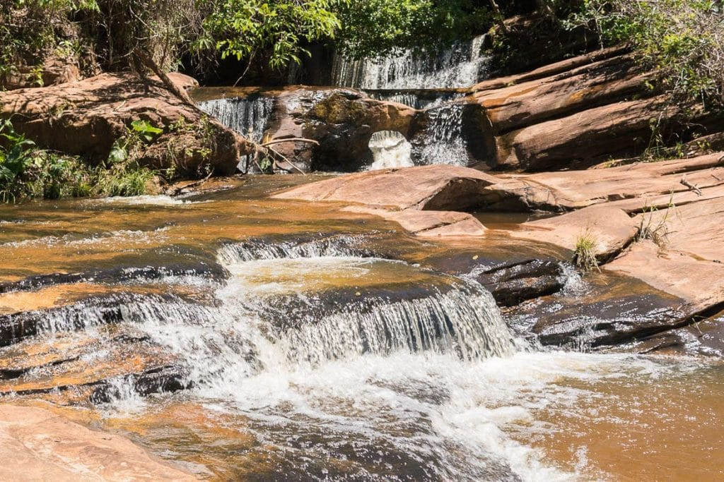 cachoeira em itambe do mato dentro no caminho dos diamantes em minas gerais