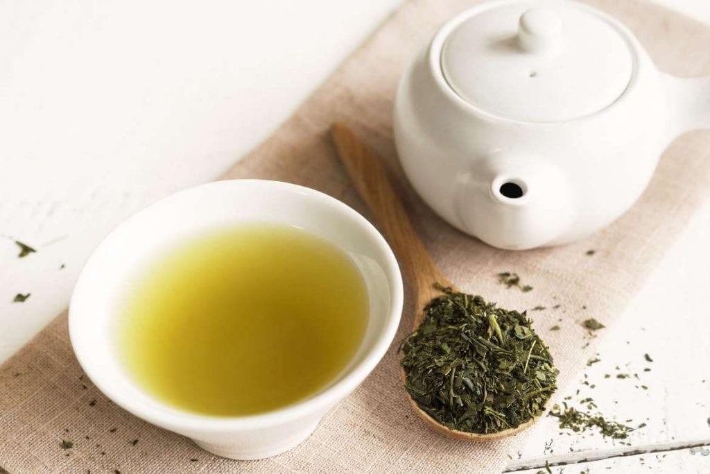 chá verde pronto para servir