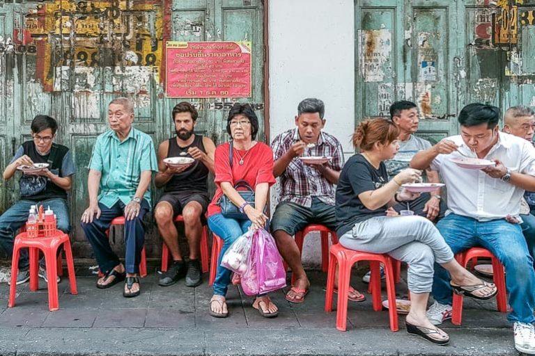 Como comer comida de rua e não passar mal