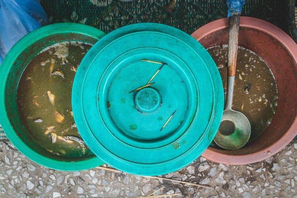 Padaek - molho de peixe fermetado de Laos
