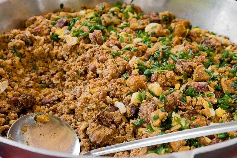 a full pan with tropeiro beans