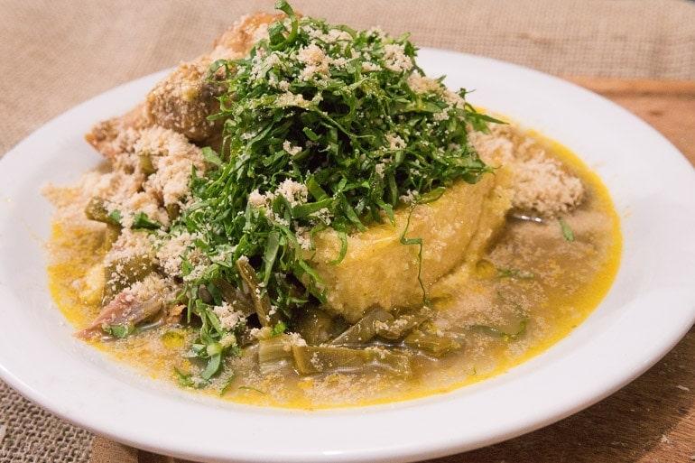 prato típico da região servido no festival natureza do sabor elaborado por Ramonn