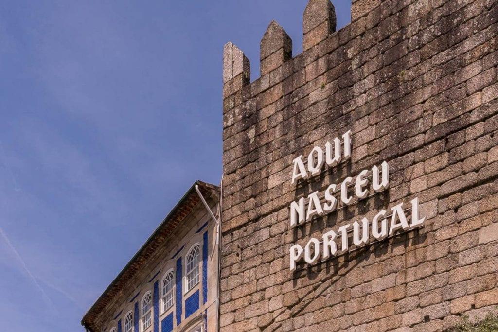 cidade de Guimarães, local onde começou Portugal