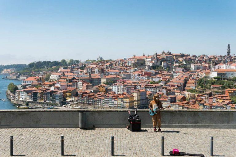 view of Porto in the garden of jardim do morro in vila nova de gaia