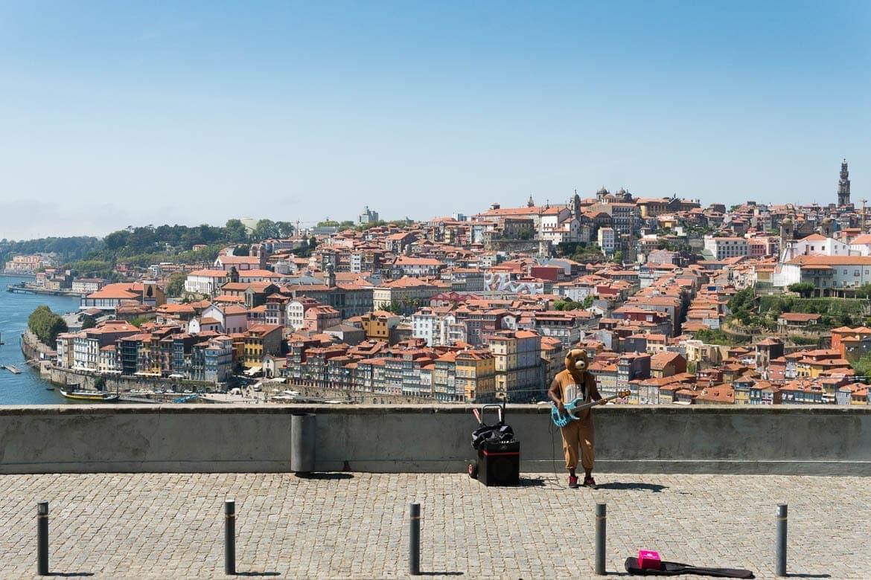 vista do Porto pelo jardim do morro na vila nova de gaia