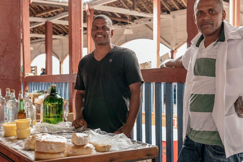 barraca de comida no mercado velho dos tropeiros em Diamantina Minas Gerais