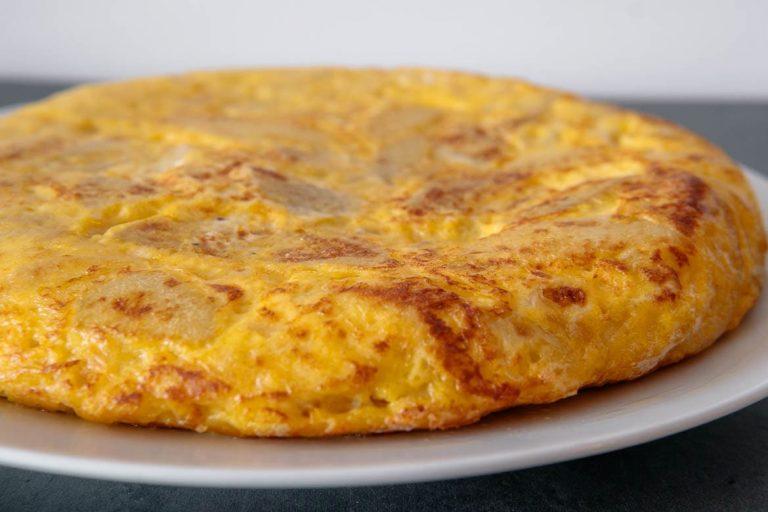 Spanish Tortilla (Tortilla de patatas)