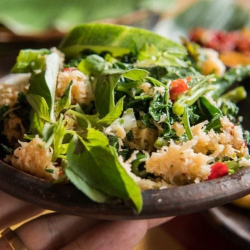 Recipe Urab Sayur, a salad dish with coconut dressing