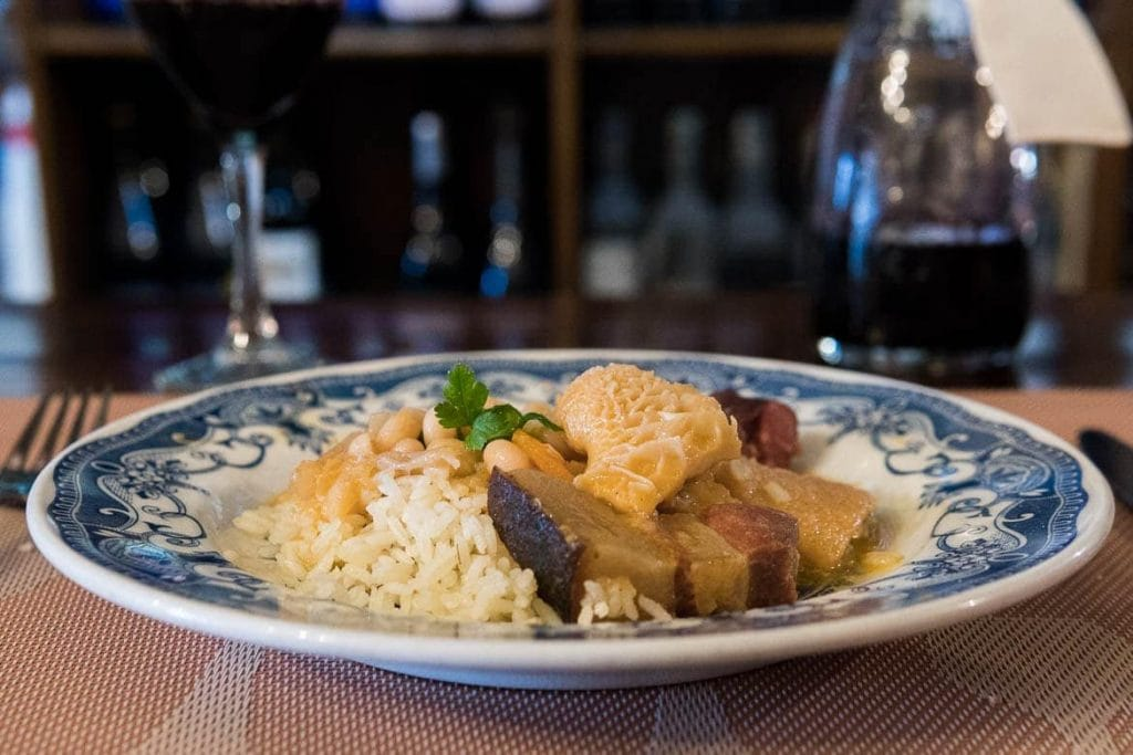 tripas à moda do porto é um prato típico do Porto