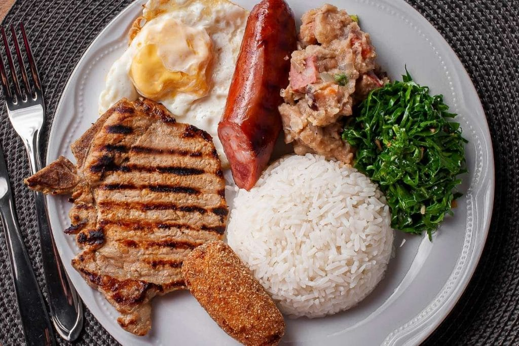 virado a paulista dish with rice, cabbage and other ingredients, typical food of São Paulo