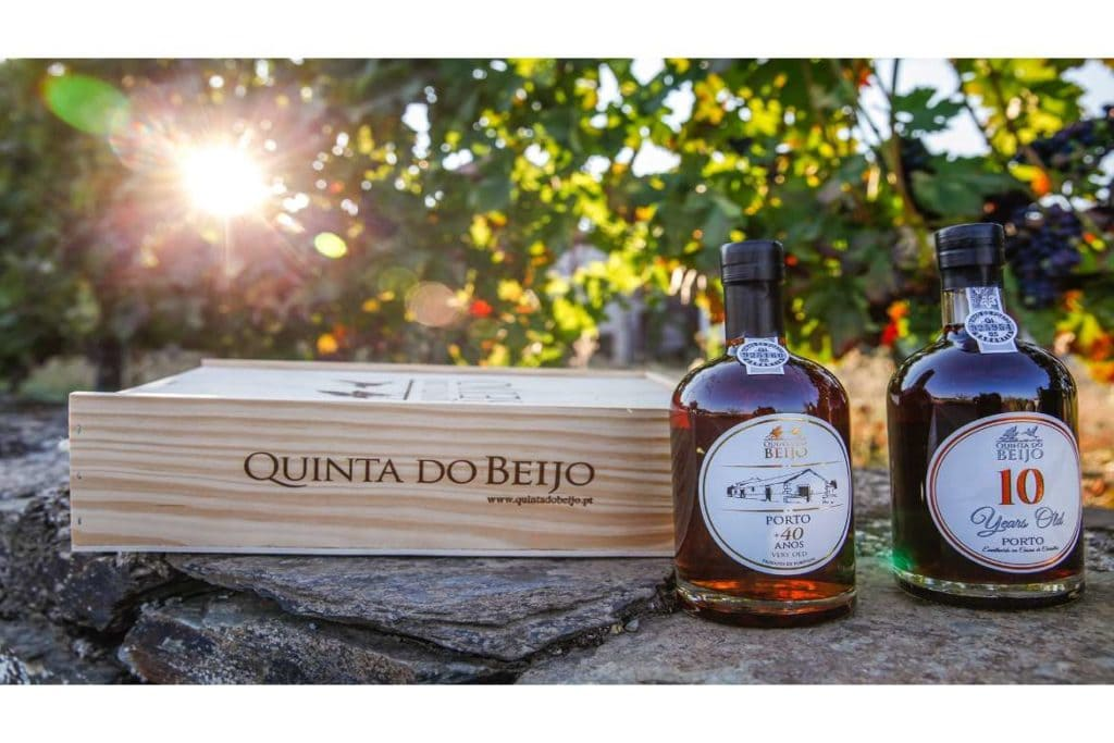 two bottle of Port wine and a wooden box of wine from Quinta do Beijo