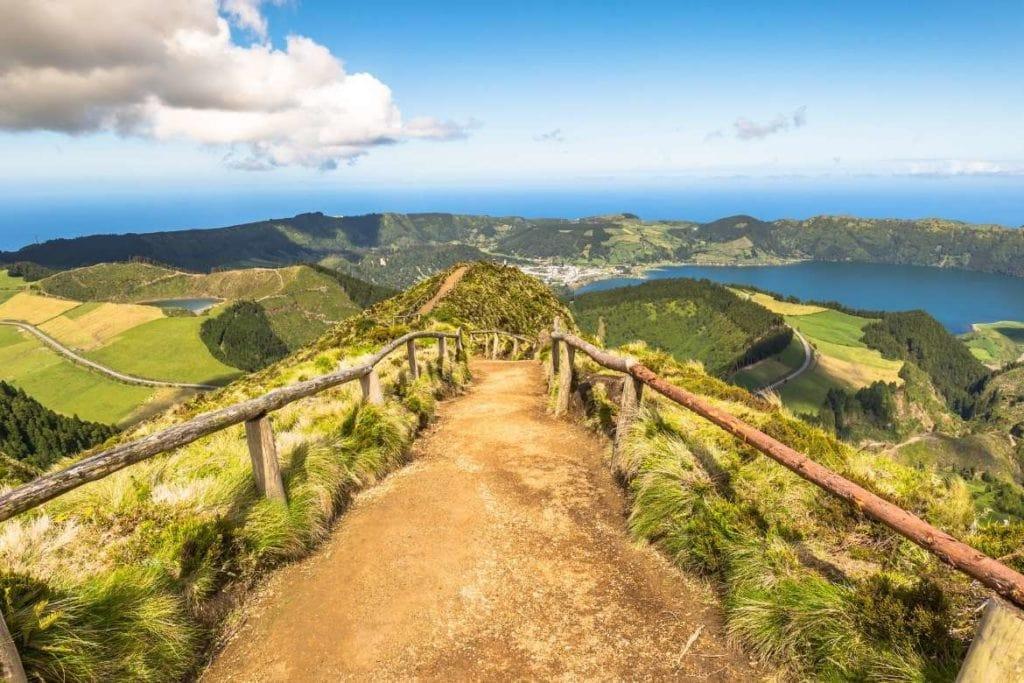 Paisagem da ilha de São Miguel, nos Açores, Portugal destino