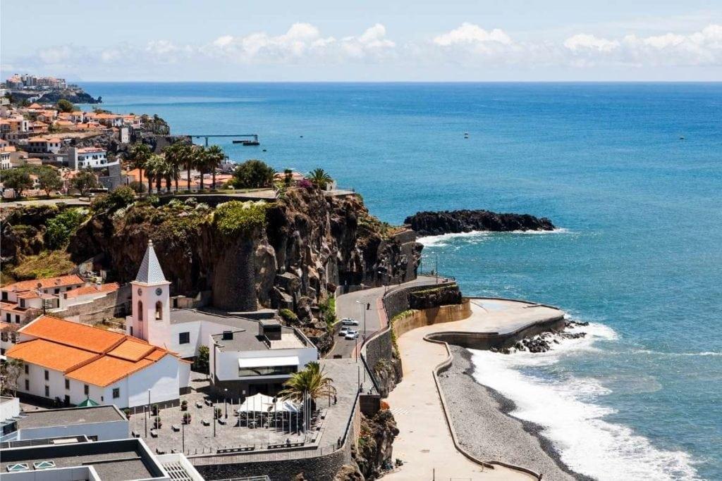 Litoral da Ilha da Madeira, destino de ilha de Portugal
