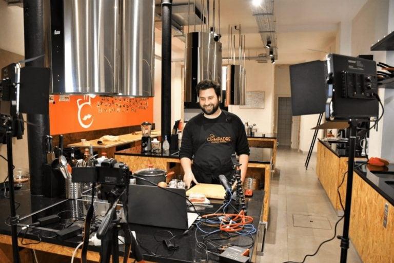 Francesinha, aprenda online a fazer o icônico sanduíche do Porto!
