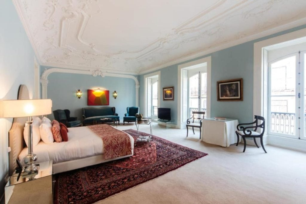 Photo of Dear Lisbon Palace bedroom with a carved ceiling and nice decoration