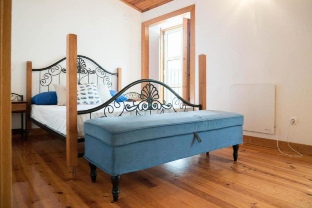 Photo of No Limit Alfama Guesthouse bedroom in Lisbon