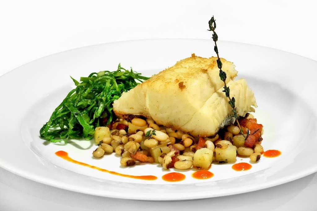 Bacalhau with beans dish