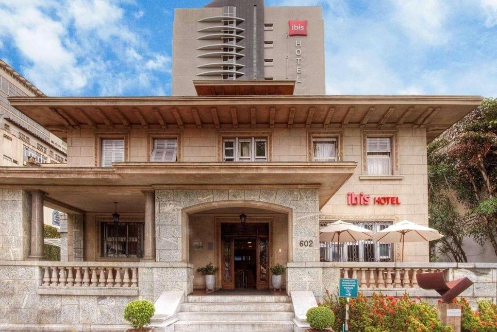 front facade at ibis hotel in belo horizonte