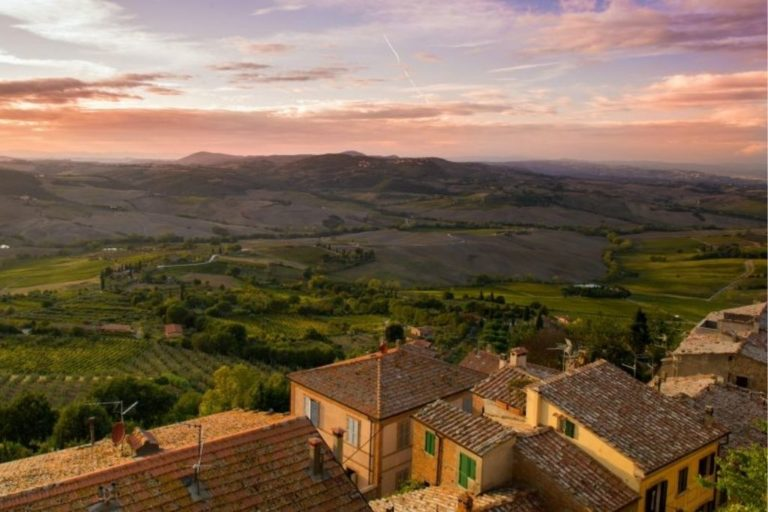 Montepulciano: Winery Tour and Tasting Experience
