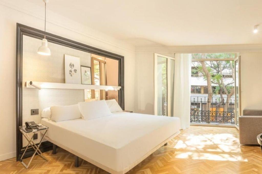 double room with balcony at SH Ingles hotel in Valencia