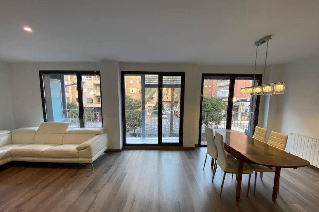 big living room at airbnb in valencia benimaclet