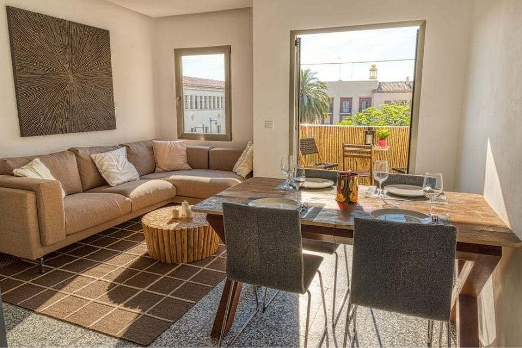 bright living room with terrace close to the beach in valencia