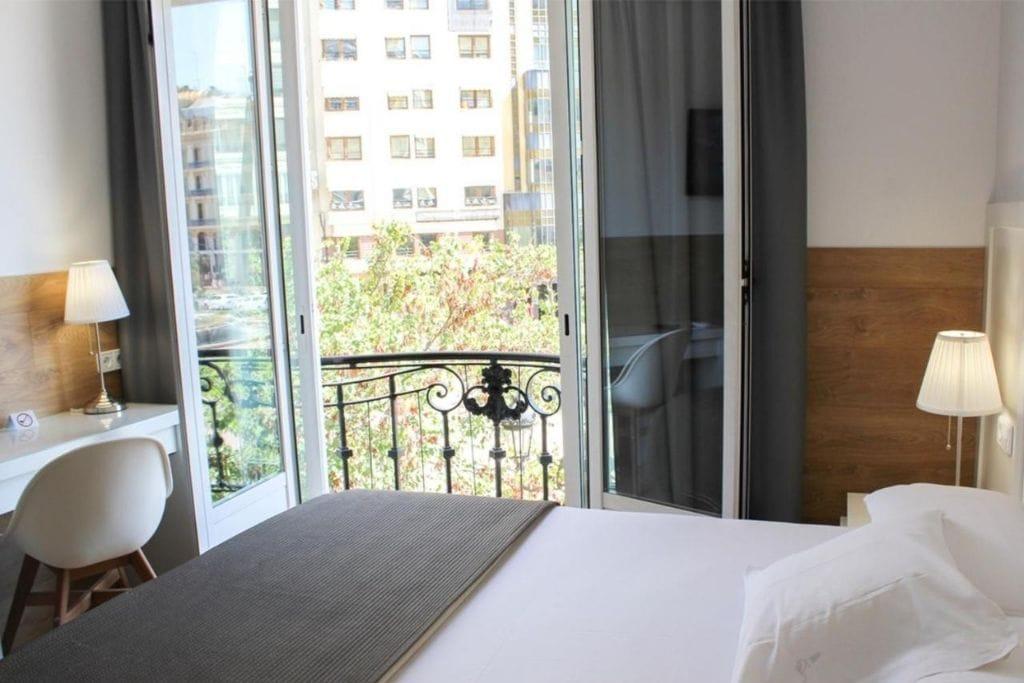 double room with balcony at venecia plaza hotel in valencia